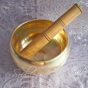 Поющая чаша литая (бронза) с резонатором,d-12 см,тон Ля